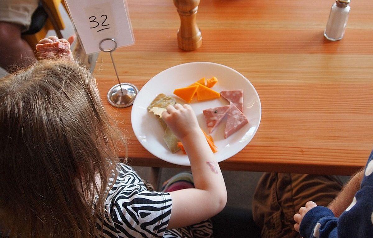 Rakvere linna lasteaialapsed saavad nüüdsest prii hommikusöögi