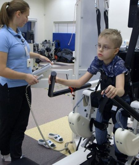 Aitame soetada Lõuna-Eestisse kõnniroboti