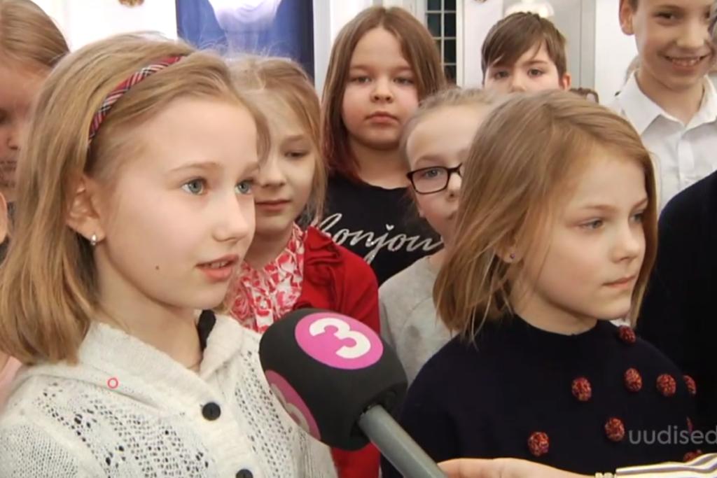 VIDEO! Rahumäe kooli õpilased korraldasid heategevusliku algatuse vähekindlustatud perede laste toetuseks