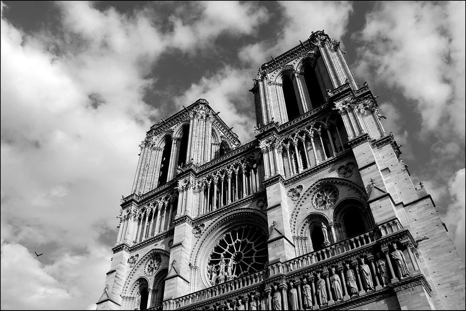 notre dame jumalaema kirik pixabay