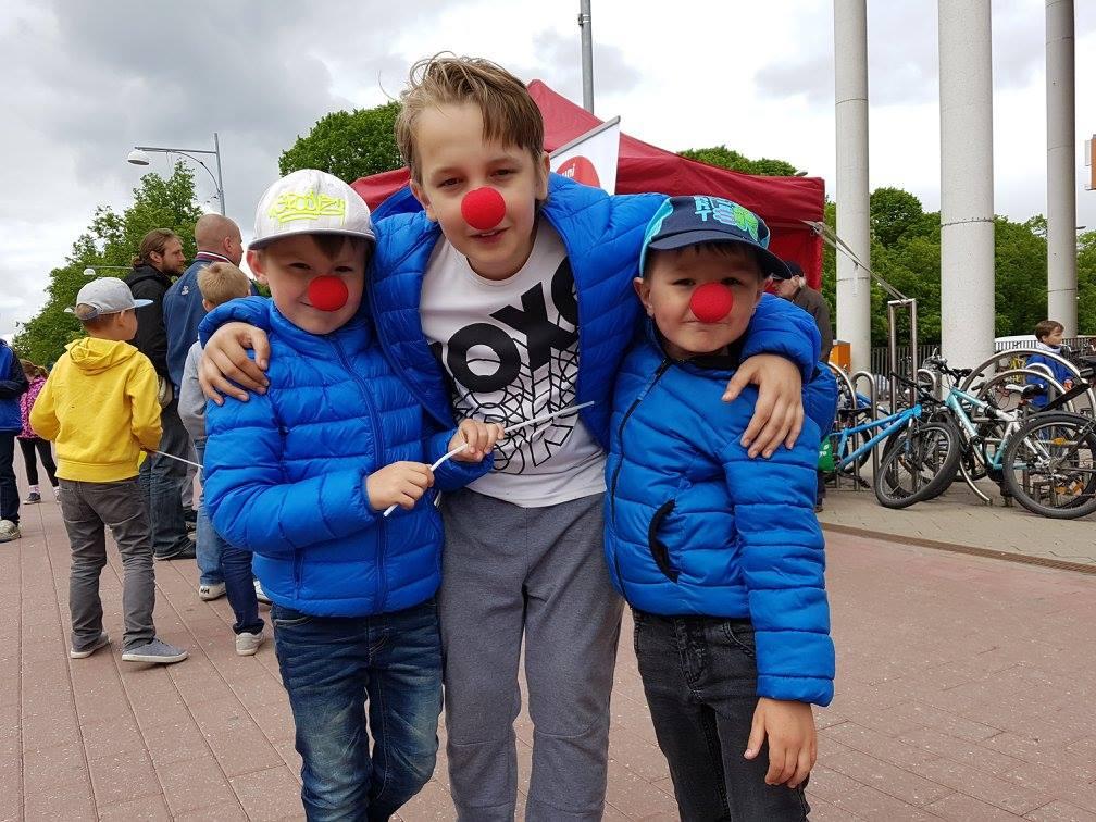 Punase nina ostjad aitavad lapsi laagrisse