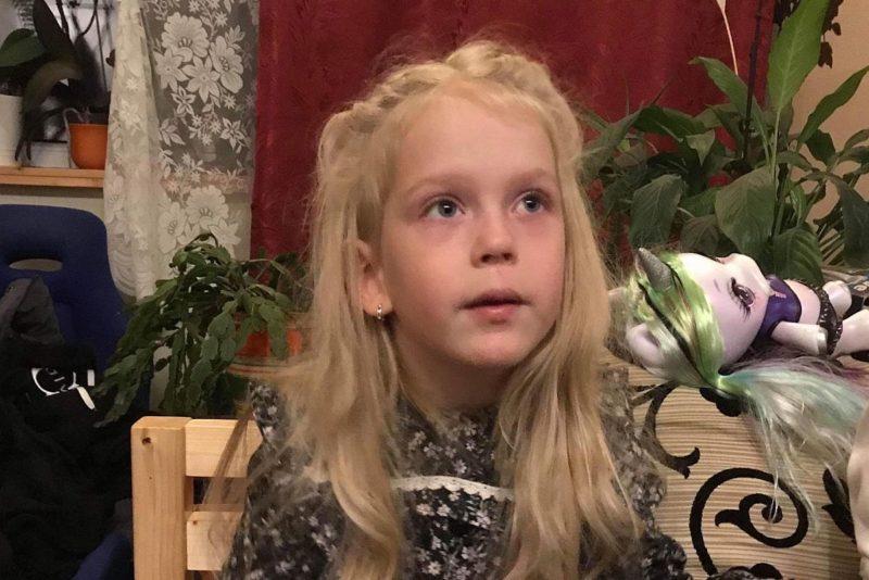 Liikumispuudega 6-aastase tüdruku unistus võib täituda tänu Lastefondi headele annetajatele!