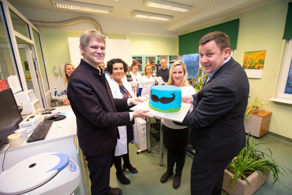 GOODNEWS KIIDAB I Baltic Agro andis üle meeste tervise heaks kogutud annetuse