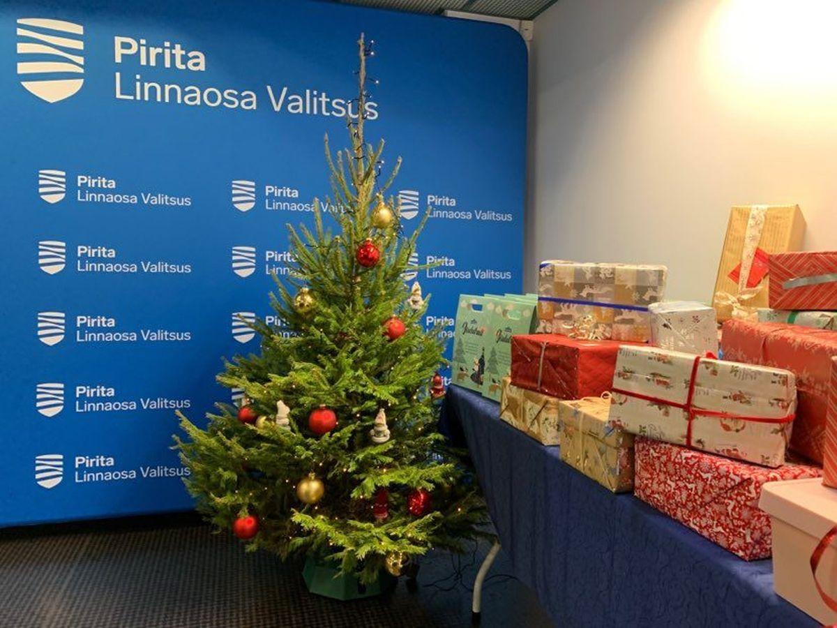KÕIGIL KÕHT TÄIS! Pirita kingib vähekindlustatutele jõulupakid